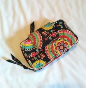 Very Bradley Black Pattern Quilted Wallet